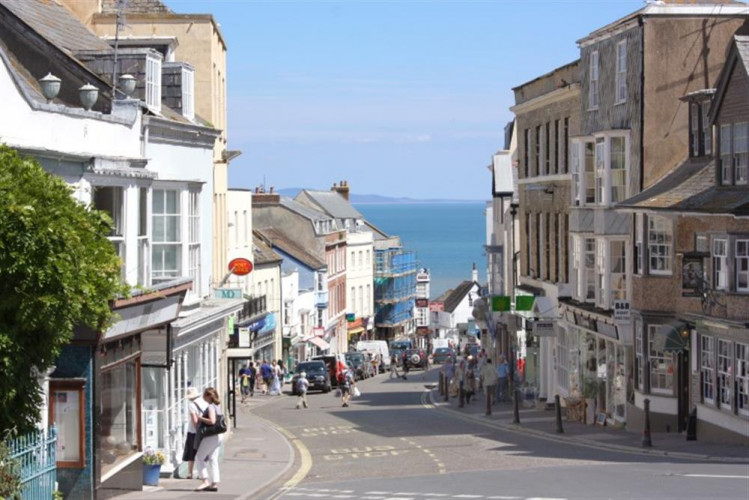 Dog Friendly Pubs And Restaurants In Lyme Regis