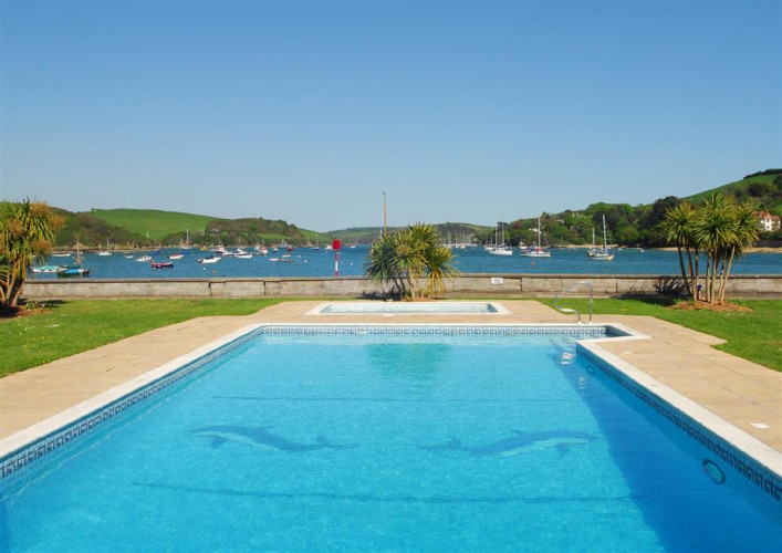 38 the salcombe salcombe south hams cottages - Churchill swimming pool timetable ...