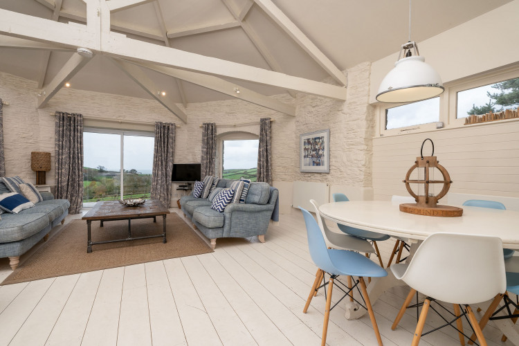 51dac525622f6b Round House, Court Barton   South Huish   Toad Hall Cottages