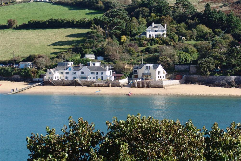 The Dell Studio Apartment Salcombe Toad Hall Cottages