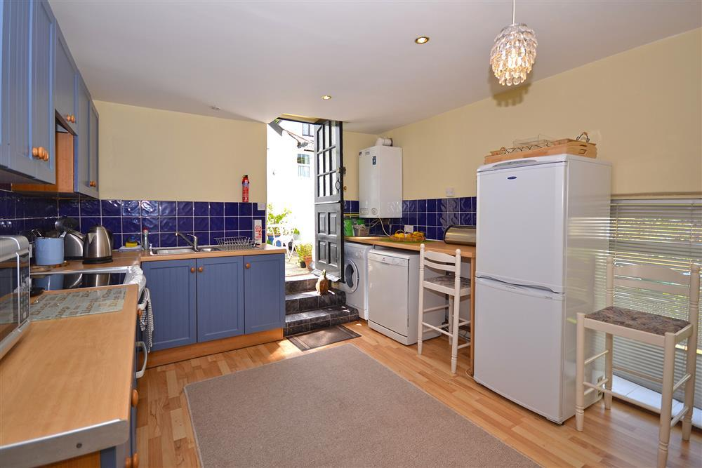 Old chapel cottage apartment looe toad hall cottages for 10180 old well terrace