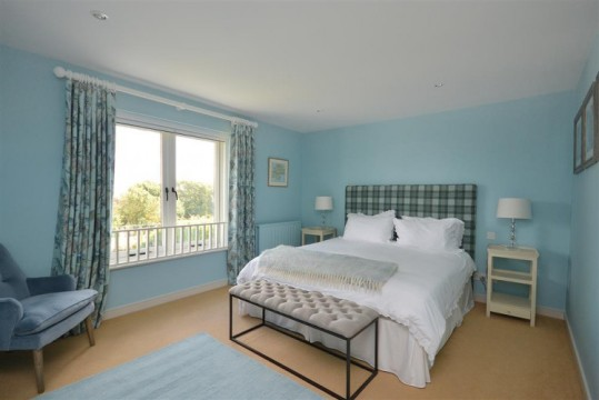 photos of master bedrooms cottages thurlestone south 16643